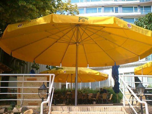sárga góliát napernyő